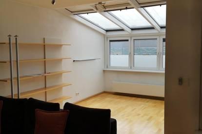 Provisionsfrei - 2, Leopoldstadt - 2 Zimmer DG - Wohnung, mit Lift, Terrasse, Fernblick und U-Bahn Nähe.