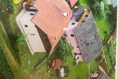 bezugsfertiges Wohnhaus mit einem renovierungsbedürftigen Wohnhaus zu verkaufen