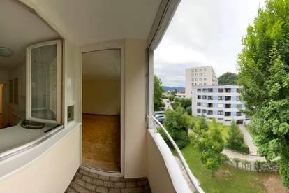 Zentrale, Sonnige 2-Zimmer Wohnung