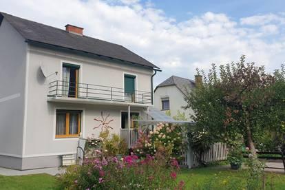Haus mit grosszügigem und gepflegten Grundstück