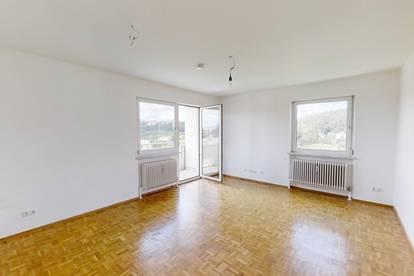PRIVAT (Provisionsfrei) - Neu renovierte 3-Zimmer-Eigentumswohnung mit Balkon im Zentrum von Vöcklabruck