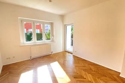 Erstbezug: Kernsanierte 3-Zimmer-Wohnung mit Loggia in Top-Lage