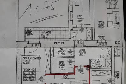 Helle Wohnung mit Hofruhelage und Balkon