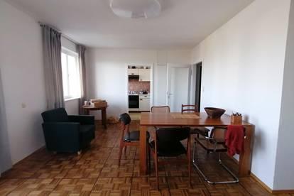 BERGKULISSE und SONNENBALKON 2-Zimmer mit toller Zuganbindung, provisionsfrei