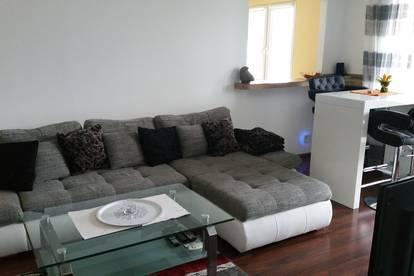 Wunderschöne neu eingerichtete, voll möblierte Wohnung mit großem Balkon und Loggia inkl. Klimaanlage und TV