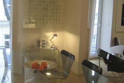 Außergewöhlich einger. helle 3 Zimmer Wohnung mit 85 qm / Balkon im sanierten Altbau, für ca. 6 Monate zu mieten