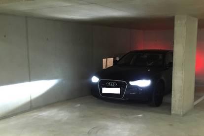 Tiefgaragenstellplatz | Eck-Parkplatz in moderner Tiefgarage zu vermieten | Lift | Barrierefrei