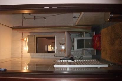 komplett eingerichtete Wohnung für Singles/ Paare zu vermieten