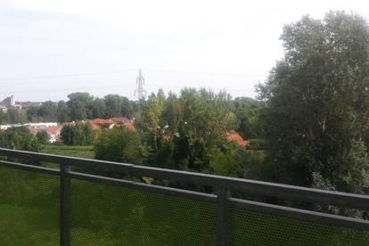 geräumige 3 Zimmer Wohnung mit Ausblick ins Grüne