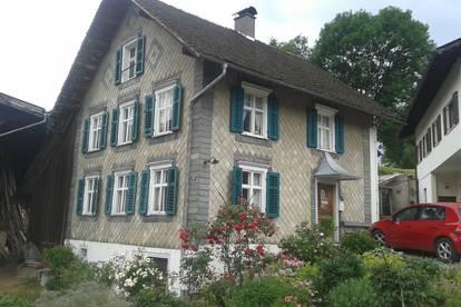 Entzückendes historisches Bauernhaus zum Abtragen!