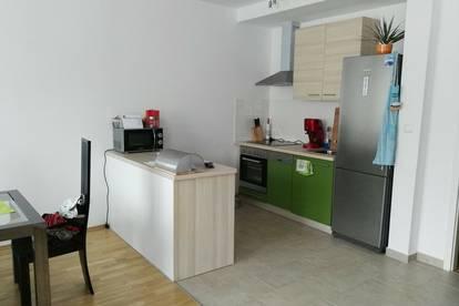 Wunderschöne neue 85 Quadratmeter Wohnung mitten im Zentrum Bruck/Leitha zu vermieten! Gesamtmiete 749,-inkl. Betriebskosten
