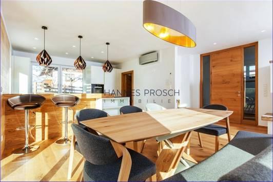 FREIZEITWOHNSITZ!<br />Ski in Ski out: Modernes Haus in St. Johann in Tirol