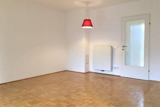 Charmante 2 Zimmer Dachgeschosswohnung in der Stadt Salzburg