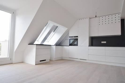 Moderne Neubau DG - Wohnung mit zwei Balkonen und Terrasse in Hütteldorf