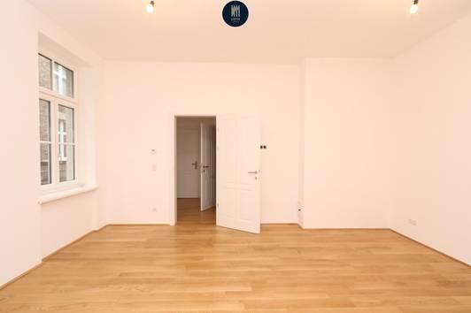 2-Zimmer Altbau-Wohnung mit Balkon in Top Lage! *virtueller 360° Rundgang*