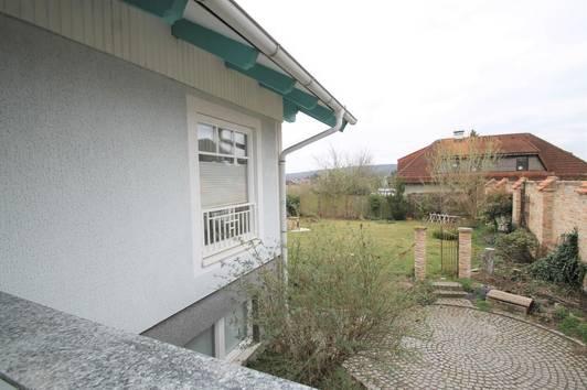 Einfamilienhaus mit Photvoltaik-Solaranlage ++ sehr heller Keller ++ 6 Zimmer ++++735m² Garten ++ Wintergarten ca. 30m²