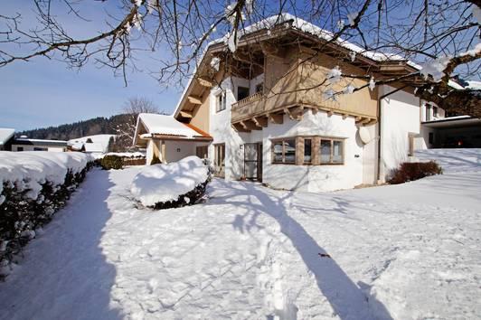 Einfamilienhaus in Ruhelage mit Traumblick ( 03123 )