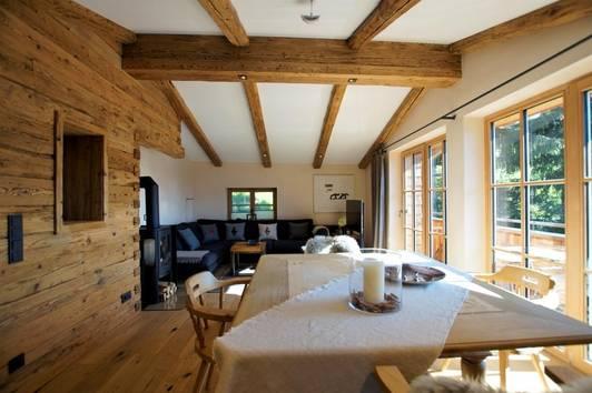 Stilvolle Wohnung in Traumlage ( 02359 )