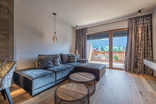 Moderne 2-Zimmer Wohnung mit Balkon ( 03653 )