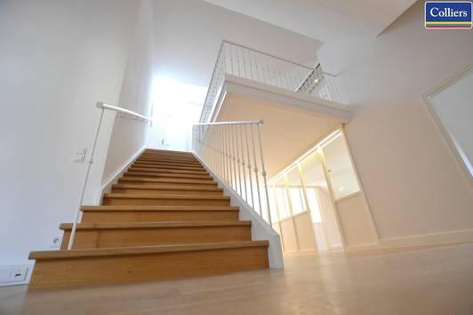 Dachgeschoss-Büro auf 2 Ebenen im Palais Harrach | Freyung 1010