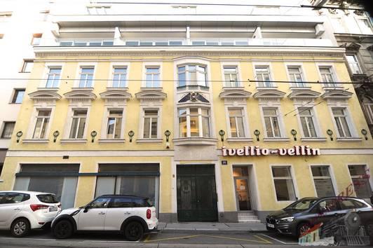 Kaiserstraße, 1070 Wien, Sanierungsbedürftige Altbau Wohnung, 45m² Wohnnutzfläche, Hofseitig, 2 zimmer