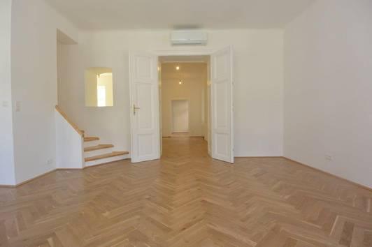 Traumhafte Dachterrasse Maisonette!  Stilvoller Altbau trifft auf modernen Dachausbau! #ERSTBEZUG#