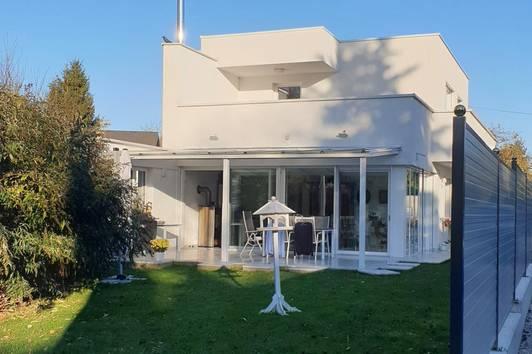 Modernes Einfamilienhaus in herausragender Wohnlage !