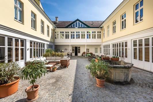 Charmantes Familien-Hideaway mit idyllischem Garten mitten in Hietzing