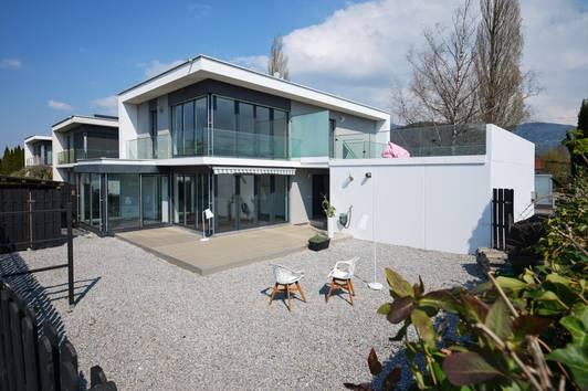 Sonne pur auf der Dachterrasse - Modernes Eckreihenhaus mit 2 Wohnungen