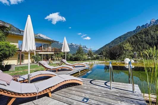 Idyllisches Apartmenthaus mit Naturschwimmteich