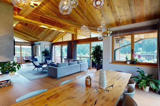Exlusives Chalet mit Bergblick in sonniger Lage