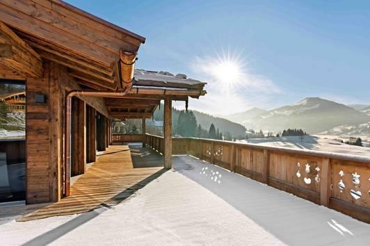 Neubau Luxus-Chalet mit Indoorpool in TOP Lage