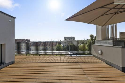 Moderne Penthousewohnung mit Terrassen nahe Sonnbergplatz