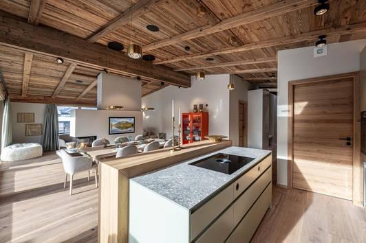 Möblierte Luxus Dachgeschoss Wohnung in Kirchberg