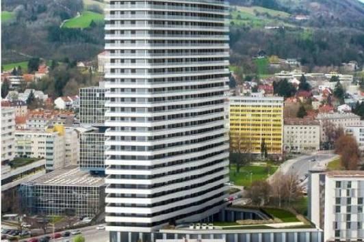 Wohlproportionierte 3-Raum- Wohnung mit super großem Balkon und zwei verschiedenen Aussichten!