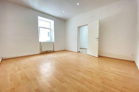 !! 2 Eigentumswohnungen + Dachbodeneigentum zu kaufen