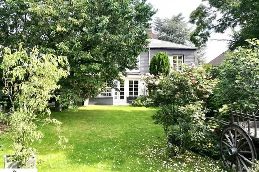 absolute Maurer Bestlage - französische Landhausvilla - Architektengarten - Grünruhelage