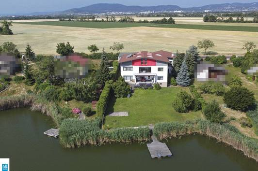 Rarität - Eigengrund direkt am See - ca. 600 m² Wohnfläche - 1000 m² Seeanteil - 3 Wohneinheiten