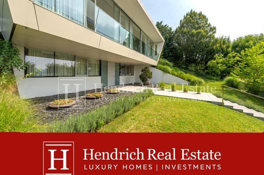 Großzügige Architekten-Villa am Ölberg mit Pool