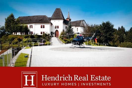 Exklusive Schlossanlage in Wörtherseenähe - zusätzlich Inventar, Badehaus und 45 ha Grund erwerbbar