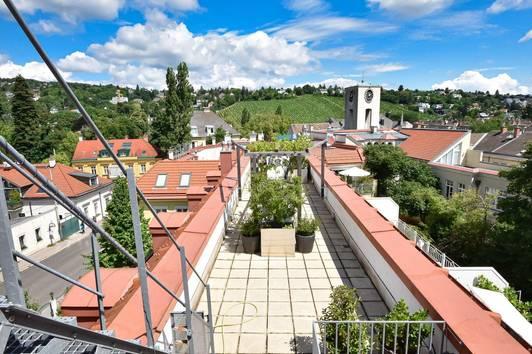 Wunderschöne 4-Zimmer-DG-Maisonette mit sehr großer Terrasse am Fuße des Heubergs