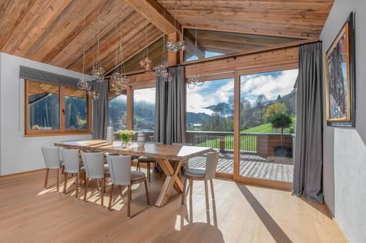 Luxus Chalet in Hanglage mit idyllischem Bergblick in Kirchberg
