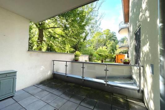 ZENTRAL UND RUHIG - sonnige 2-Zimmer-Wohnung mit Terrasse