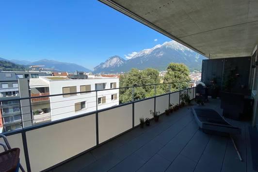 Zentrale Dachgeschoss-Wohnung mit großartigen Ausblick