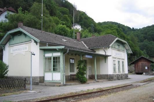 Ehemaliges Bahnhofsgebäude in Sarmingstein (Gemeinde St. Nikola an der Donau) zu verkaufen