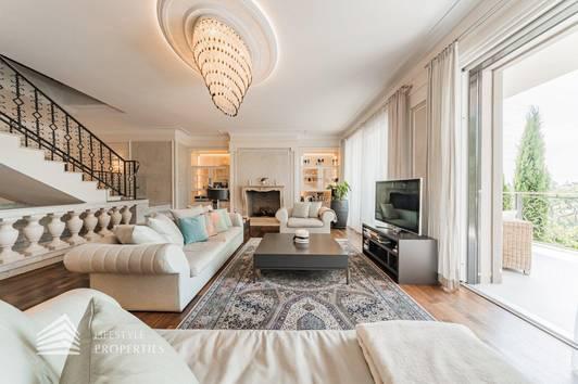 Lebenstraum-Villa am Cobenzl mit Indoorpool, absolute Grünruhelage