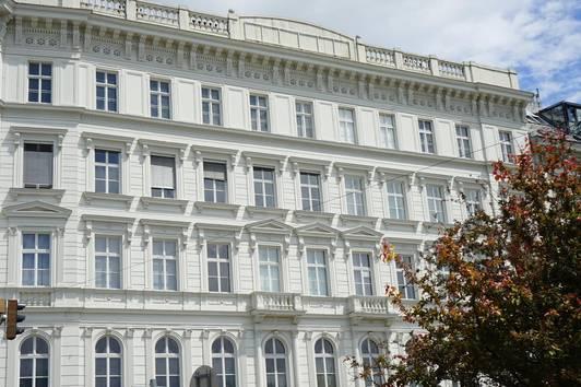 PROVISIONSFREI. Zuhause auf Zeit. Stilvoller Altbau. Erstbezug neben Wiener Oper. 2- Zimmer Apartment