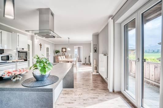 Kössen: Große Wohnung in ruhiger Lage mit extra Garten