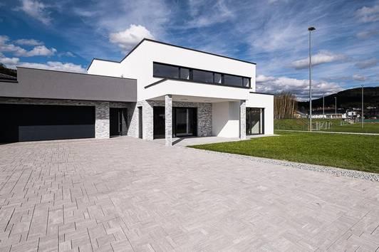 SANKT OSWALD: Repräsentatives Haus mit edler Ausstattung