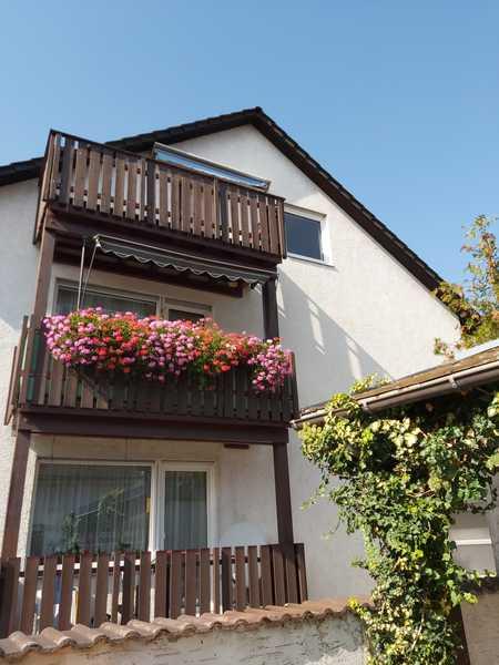 Gepflegte 5-Raum-Maisonette-Wohnung mit Balkon und Einbauküche in Augsburg Lechhausen in Lechhausen (Augsburg)
